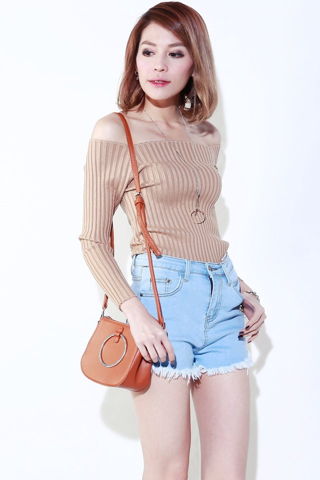 (BACKORDER)Odessa Off Shoulder Top in Brown