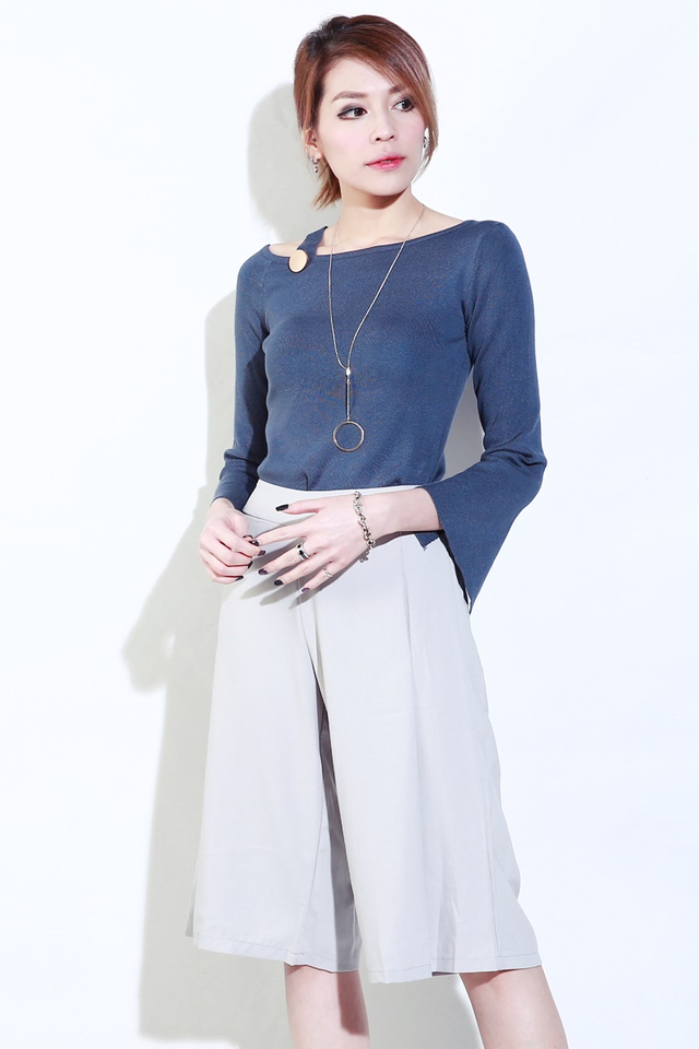 (BACKORDER)Cyrus Knit Top in Peacock Blue