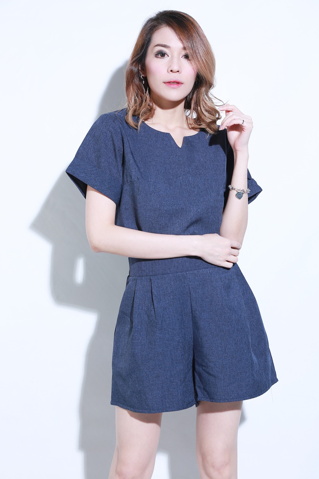 IN STOCK  -CASUAL 2 PIECES TOP AND PANTS SET IN BLUE