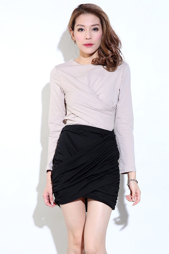 IN STOCK- WIDO RUCHED SKIRT IN BLACK