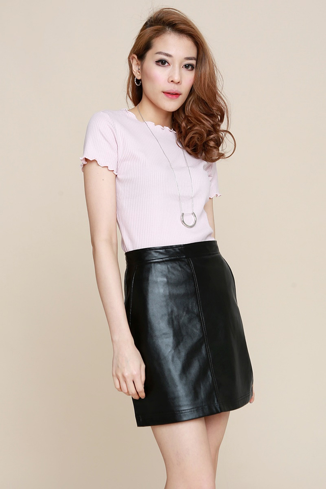 IN STOCK -SHAUN TOP IN LIGHT PINK