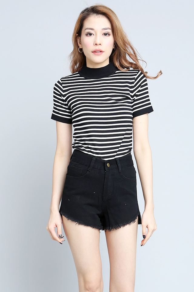 BACKORDER - COSMO STRIPES KNIT TOP IN BLACK WHITE