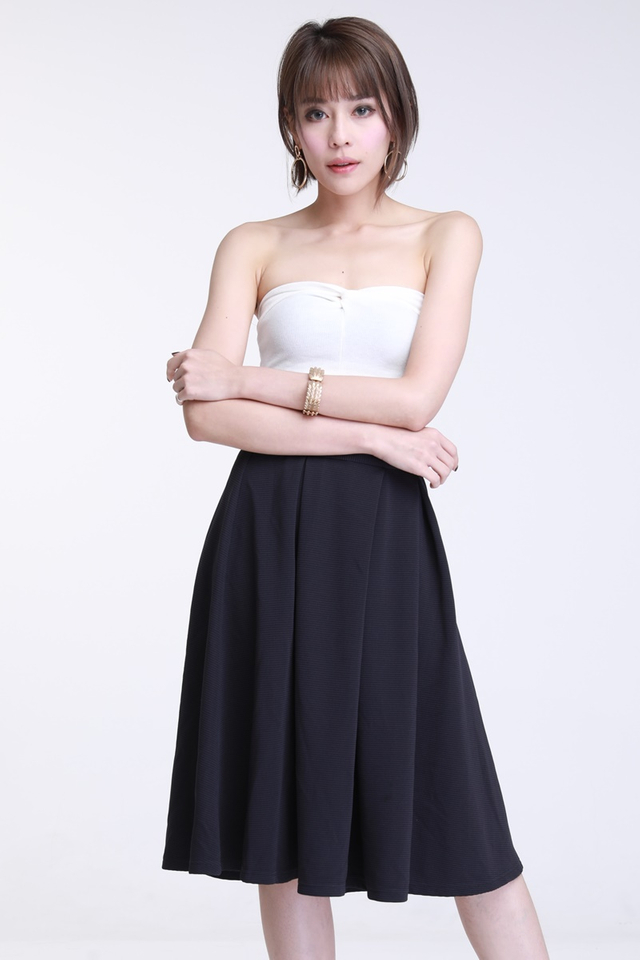 IN STOCK -Hansy Texture Pleated Skirt in Navy
