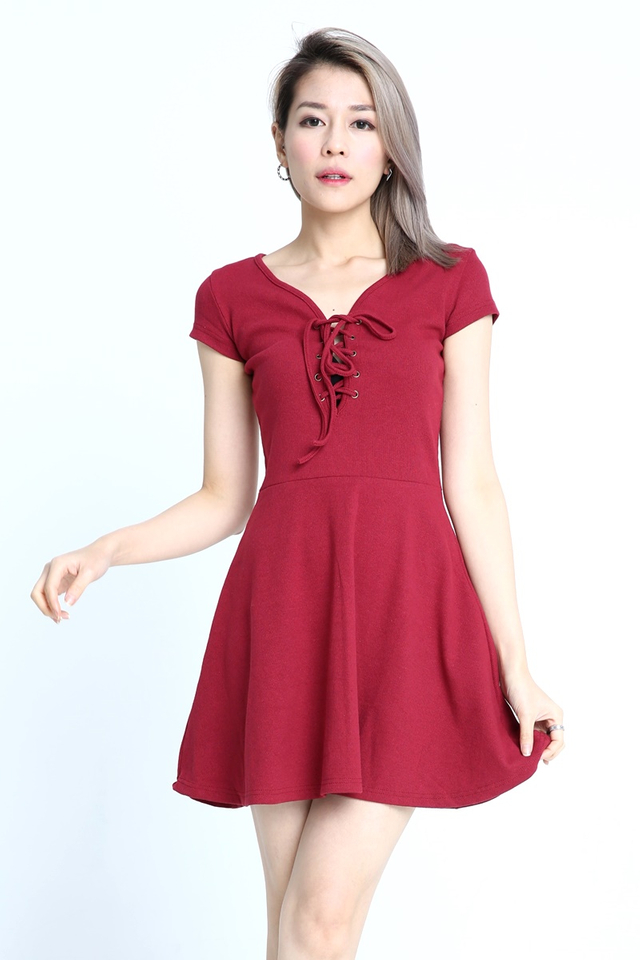 BACKORDER- TERELL KNIT DRESS IN MAROON