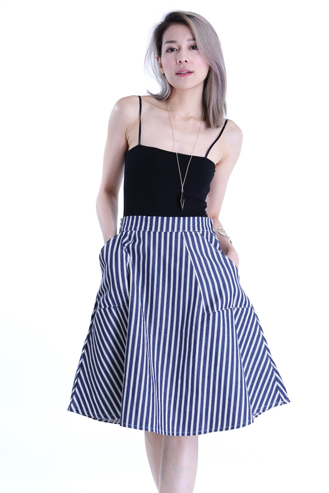 BACKORDER - JURNEE STRIPES SKIRT IN DARK BLUE