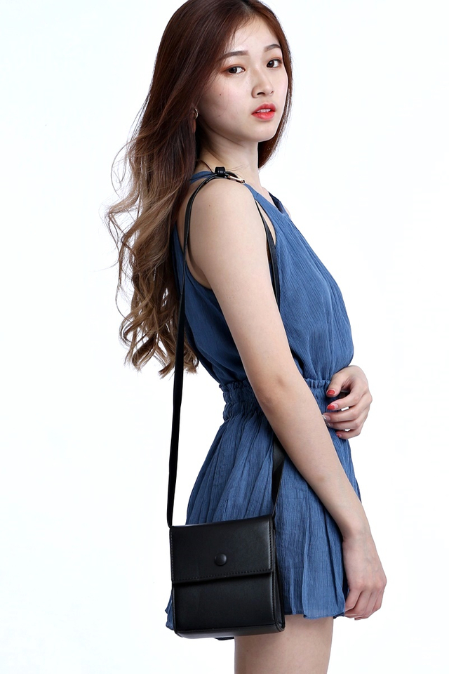 IN STOCK - YVONNE BOX BAG IN BLACK