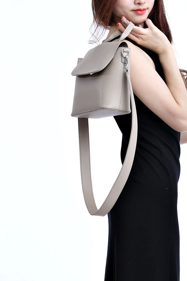 BACKORDER- MAG SLING BAG IN LIGHT GREY
