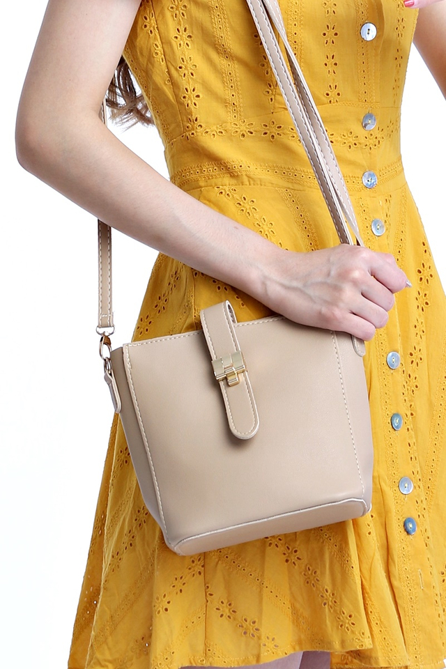 IN STOCK - VEL SLING BAG IN LIGHT BROWN