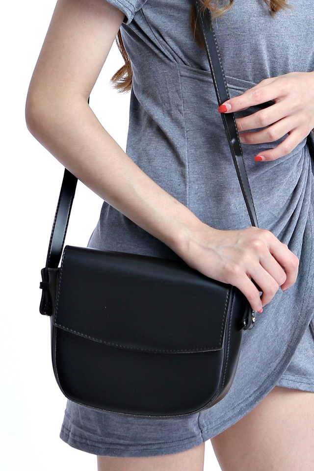IN STOCK - CLARA SLING BAG IN BLACK