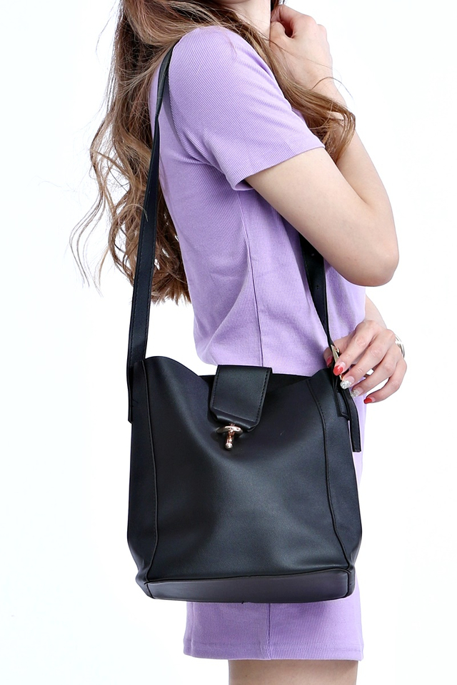 BACKORDER- ESTHER SLING BAG IN BLACK