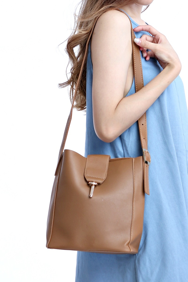BACKORDER - ESTHER SLING BAG IN BROWN
