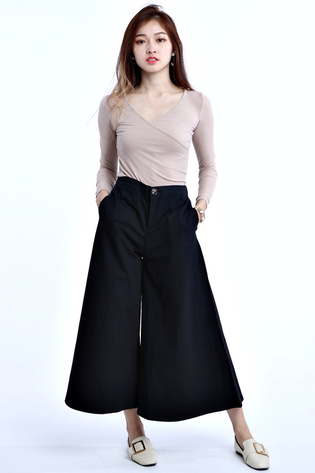 BACKORDER - WIDE LEG PANTS IN BLACK