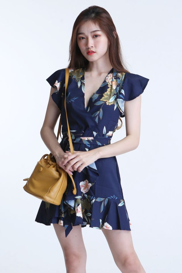 IN STOCK - DEVEN FLORAL DRESS IN NAVY