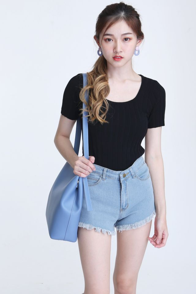 BACKORDER - CORRA KNIT TOP IN BLACK