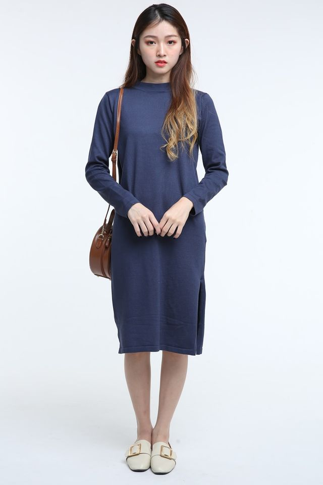 IN STOCK - WILLA LONG DRESS IN NAVY