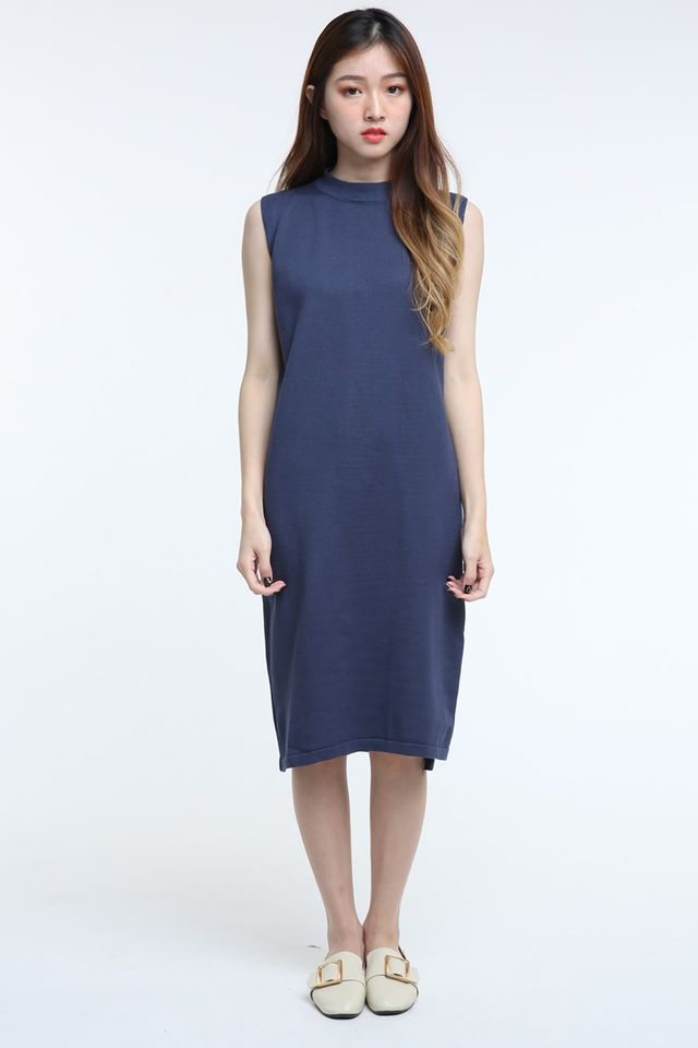 BACKORDER - WILLA LONG DRESS IN NAVY ( SLEEVELESS )
