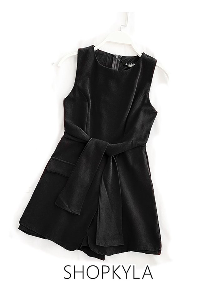 IN STOCK  - LEO ROMPER IN BLACK