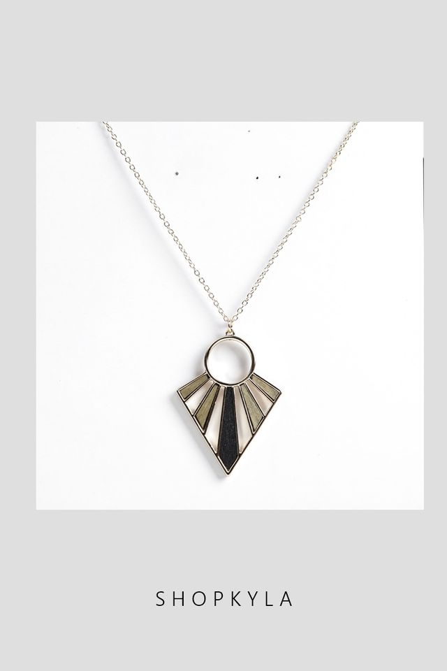 IN STOCK- NECKLACE 075