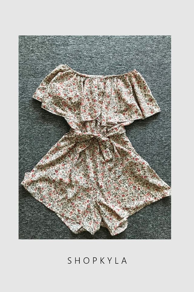 SG IN STOCK- CECI FLORAL ROMPER IN BEIGH BROWN