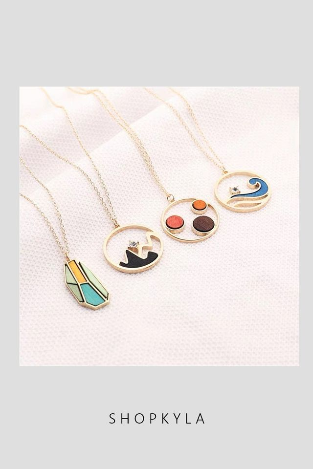 IN STOCK - NECKLACE  D82