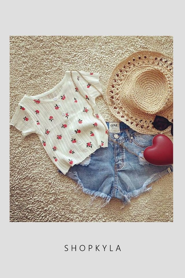 BACKORDER - CHERRY PRINTED CROP TEE IN WHITE