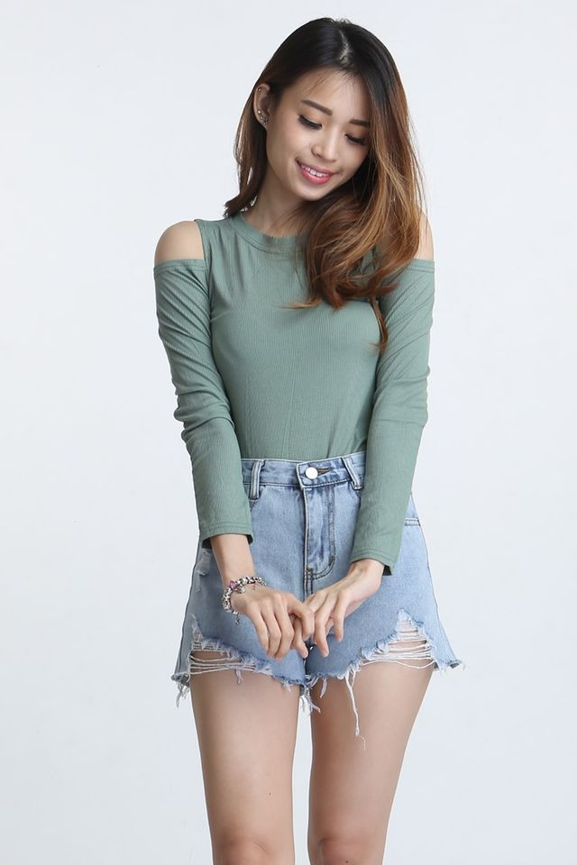 SG IN STOCK - TOLBERT CUT OUT SHOULDER TOP IN GREEN