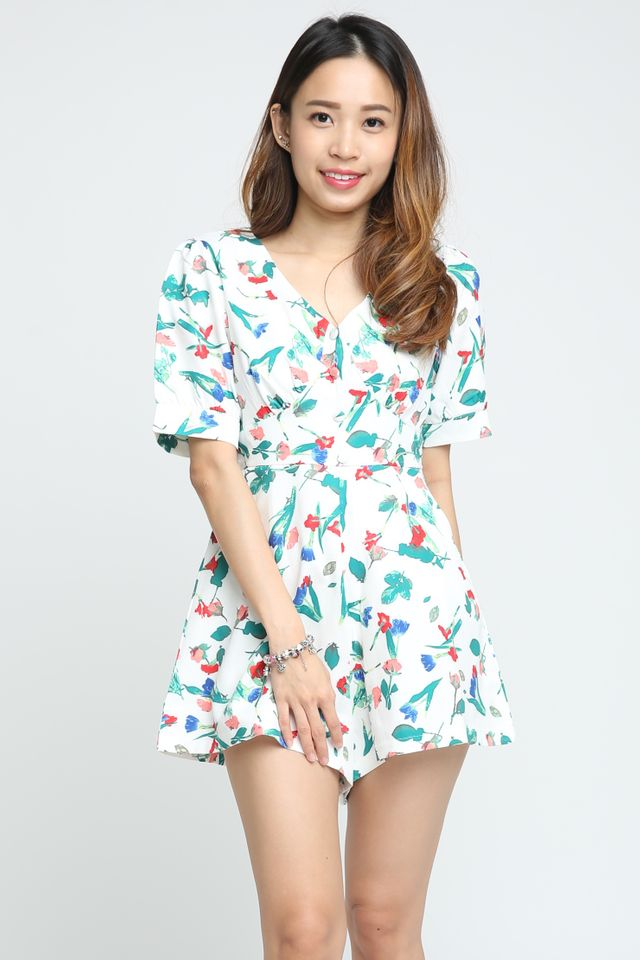 IN STOCK - HARLOW FLORAL ROMPER IN OFF WHITE