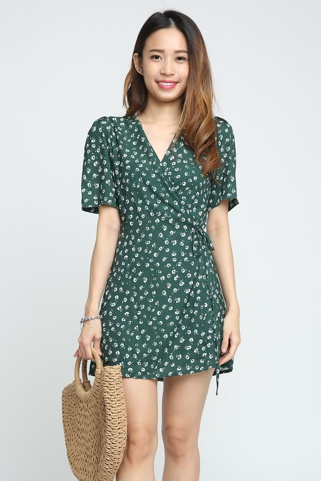 BACKORDEr - ALESSIA FlORAL WRAP DRESS IN GREEN