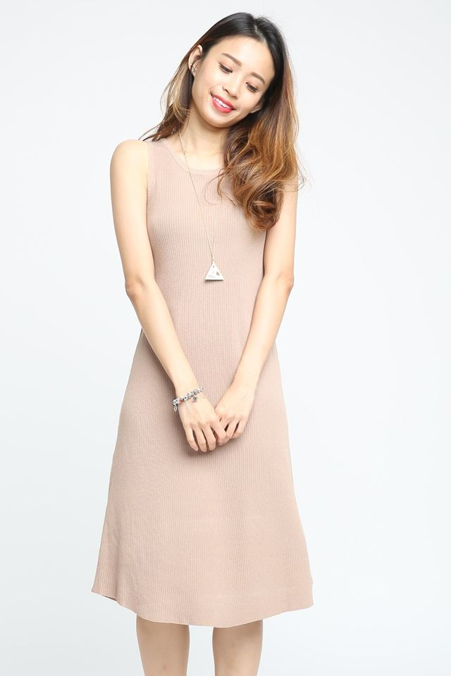 BACKORDER-  BREANNE LONG DRESS IN BROWN