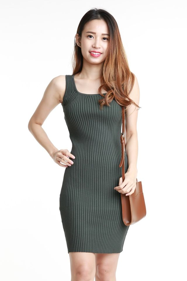 SG IN STOCK  - MOLI BODYCON DRESS IN DARK GREEN