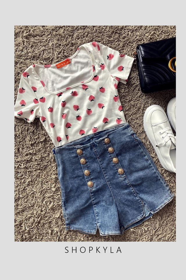 SG IN STOCK  - STRAWBERRY PRINTED TOP IN WHITE