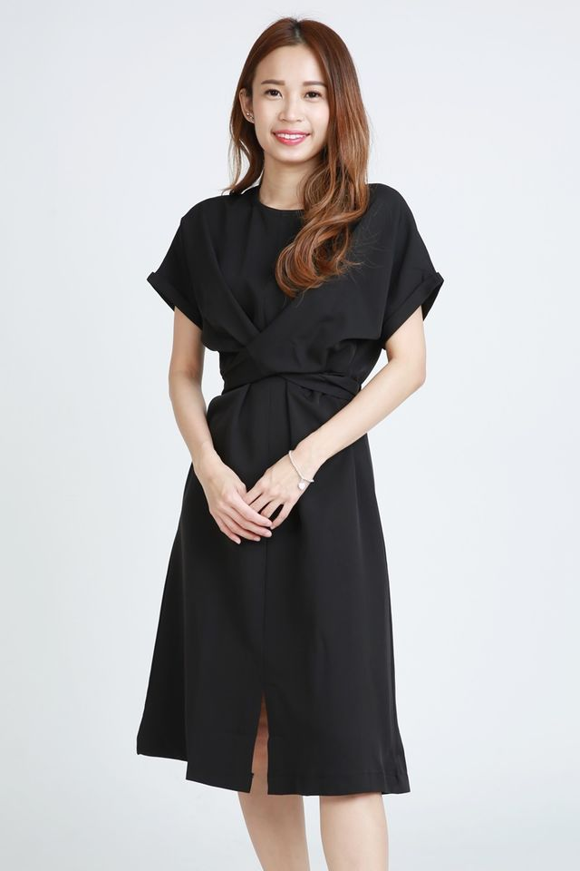 BACKORDER - SONNY TIE WAIST  DRESS IN BLACK( MAROON )