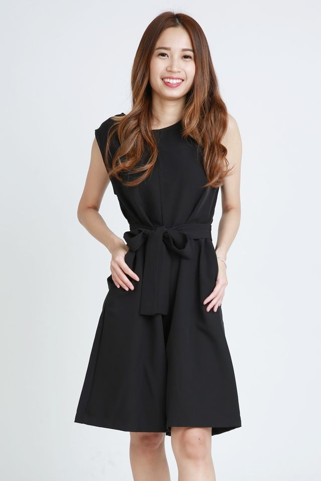SG IN STOCK -JODI JUMPSUIT IN BLACK