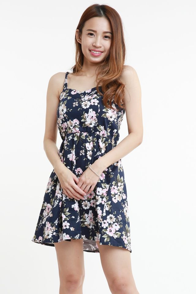 BACKORDER - OLIYA FLORAL DRESS IN NAVY