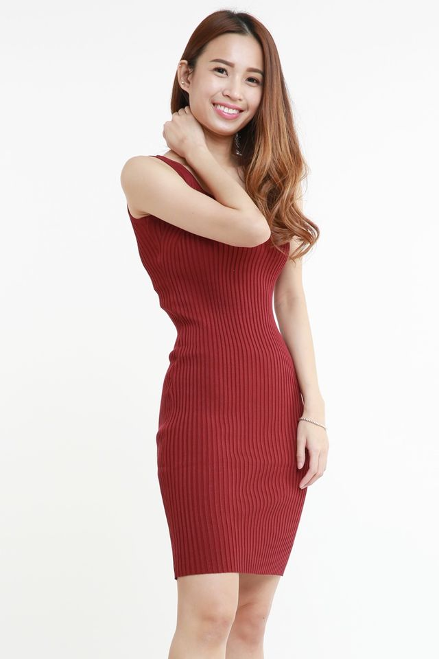 SG ORDER ONLY  - MOLI BODYCON DRESS IN MAROON